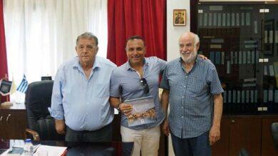 Photo of Τον Δήμαρχο Καστοριάς, κ. Ανέστη Αγγελή, επισκέφθηκε ο μουσικοσυνθέτης κ. Παύλος Σιμτικίδης