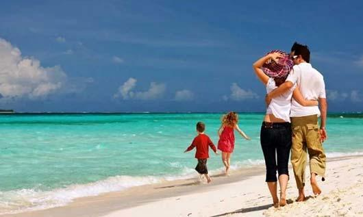 Photo of Μόνο ένας στους τρεις Έλληνες θα πάει διακοπές φέτος, σύμφωνα με έρευνα