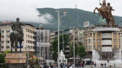 Photo of Σάλος και αντιδράσεις στα Σκόπια με υπουργό που έβαλε πινακίδα «Δημοκρατία της Μακεδονίας»