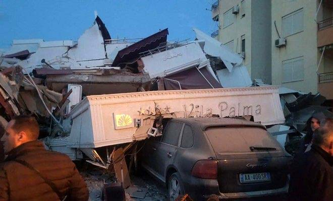 Photo of Αλβανία: Τον έβγαλαν ζωντανό μέσα από τα συντρίμμια 25 ώρες μετά το σεισμό