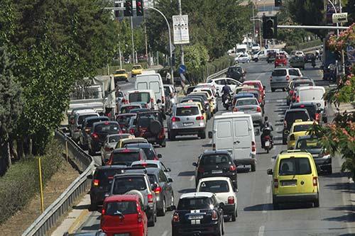 Θεσσαλονίκη: Πρόστιμα σε όσους διασχίζουν τον δρόμο εκτός διάβασης