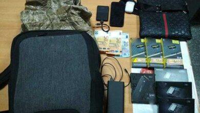 Photo of Είχαν ξαφρίσει καταστήματα κινητών τηλεφώνων με τσάντα που παρέκαμπτε τα αντικλεπτικά (pic)