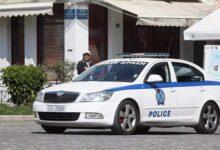 Photo of Κοζάνη: Άνδρας μπήκε με τσεκούρι στην Εφορία και χτύπησε υπαλλήλους! (video)