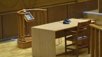 Photo of Καρπενήσι: Σε δίκη 80χρονη γιατί δεν είχε κόψει τα νύχια στο γαϊδούρι της