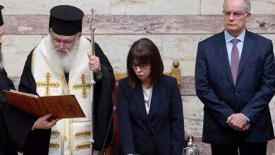 Photo of Η Πρόεδρος της Δημοκρατίας δίνει το μισό μισθό της για 2 μήνες για τον κορονοϊό