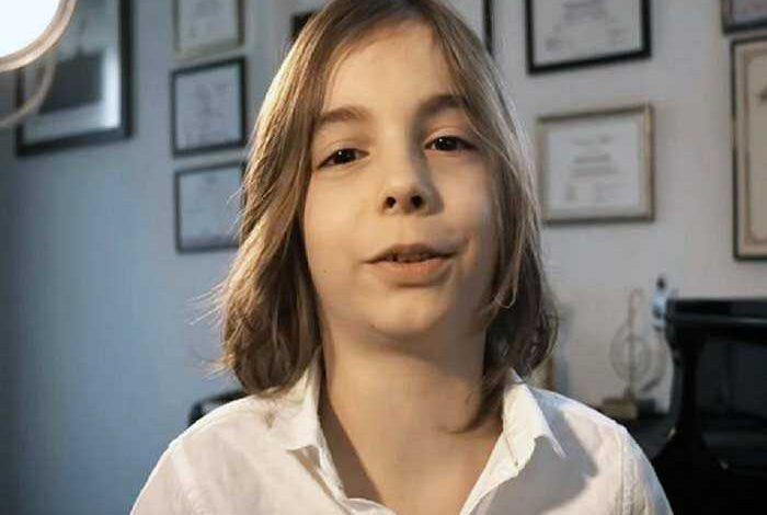Photo of Ο 7χρονος Στέλιος συνθέτει το «βαλς της απομόνωσης» και συγκινεί περιγράφοντας με τον καλύτερο τρόπο την κατάσταση καραντίνας (vid)