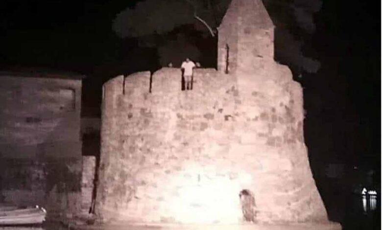 Photo of Σοκαριστικό βίντεο: 17χρονος μετά από στοίχημα πήδηξε από τον φάρο στην Ναύπακτο και τραυματίστηκε